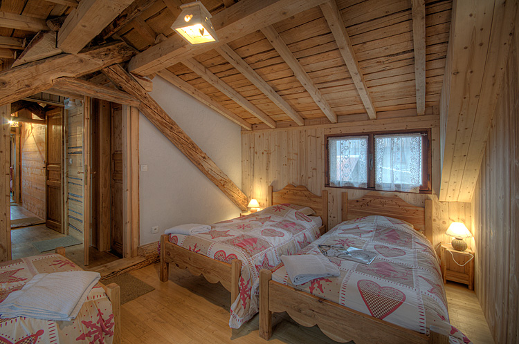 Chambre chalet montagne d coration de maison contemporaine for Decoration maison montagne